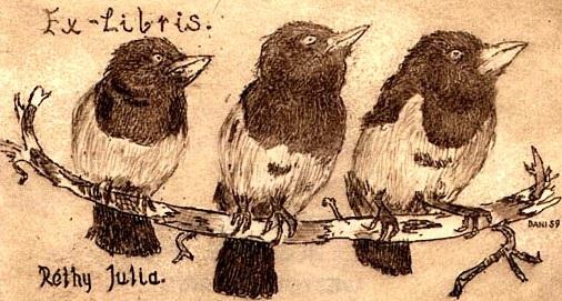 Ba con chim nhỏ