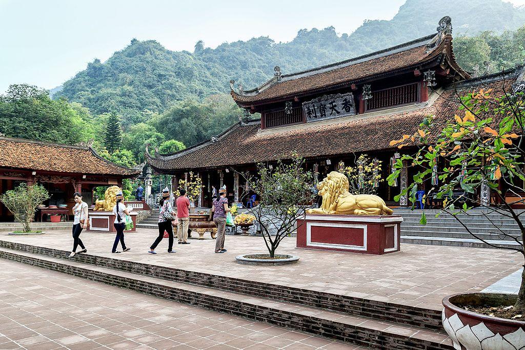 Sự tích chùa Hương và lễ hội chùa Hương