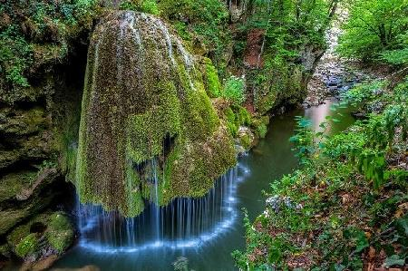 Nước ngọc nước ngà
