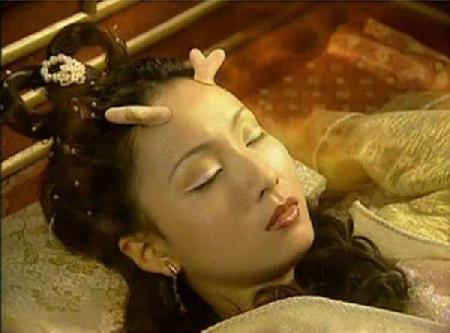 Mồ côi và con gái Long Vương