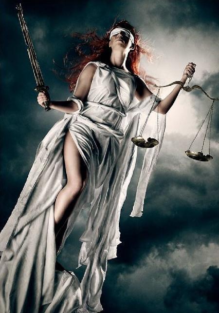 Themis - Nữ thần đại diện cho công lý
