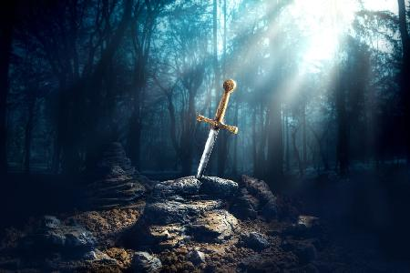 Truyền thuyết thanh gươm Excalibur của vua Arthur