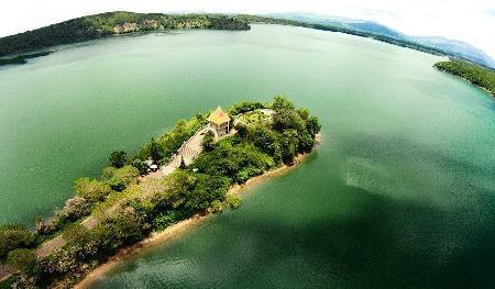Sự tích Ia Nueng - Huyền thoại về Biển Hồ phố núi Pleiku hay hồ Tơ Nưng