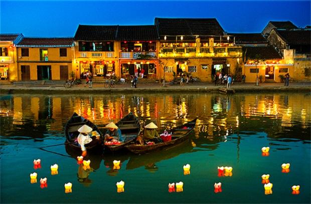 Sự tích hội hoa đăng ở Hội An - Việt Nam